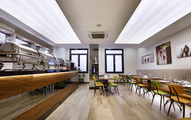 The White Orient Hotel Restaurant