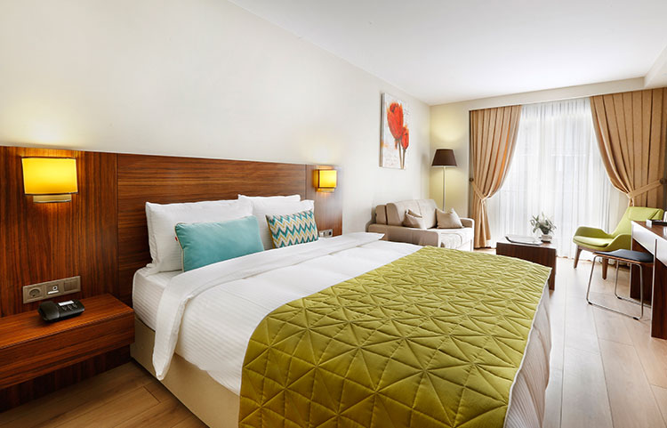 whiteorient-deluxe-french-room